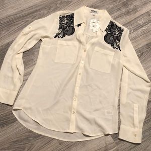 Express Shirt with Lace